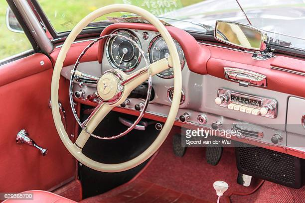 """mercedes-benz 190sl convertible classic sports car dashboard - """"sjoerd van der wal"""" stock pictures, royalty-free photos & images"""
