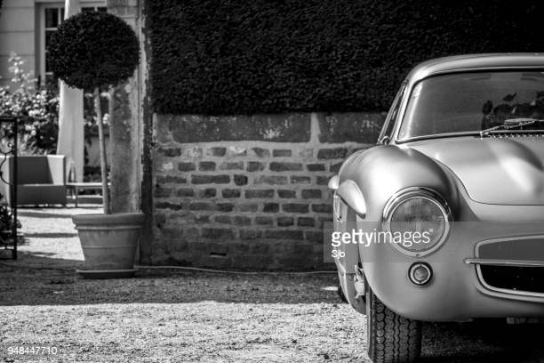mercedes-benz 300sl gullwing classic car - mercedes benz 300sl stock photos and pictures