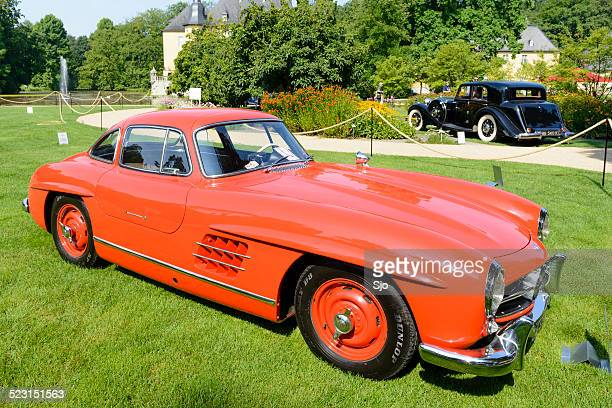 mercedes-benz 300sl gullwing sports car - mercedes benz 300sl stock photos and pictures