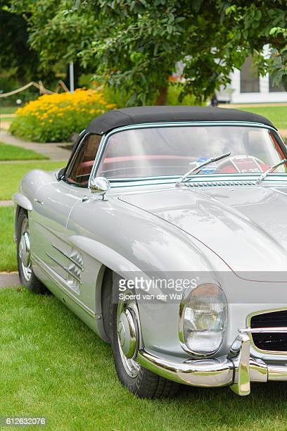 """mercedes-benz 300sl roadster convertible classic sports car - """"sjoerd van der wal"""" stock pictures, royalty-free photos & images"""