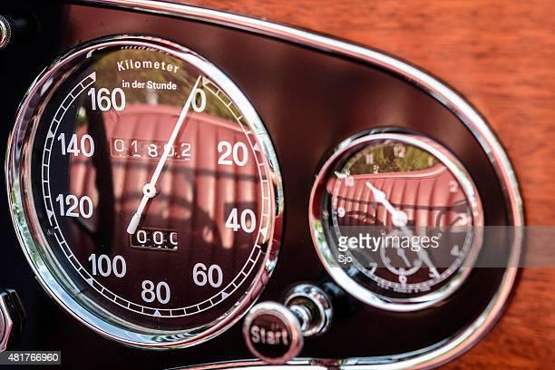 Mercedes-Benz 380K Roadster dashboard