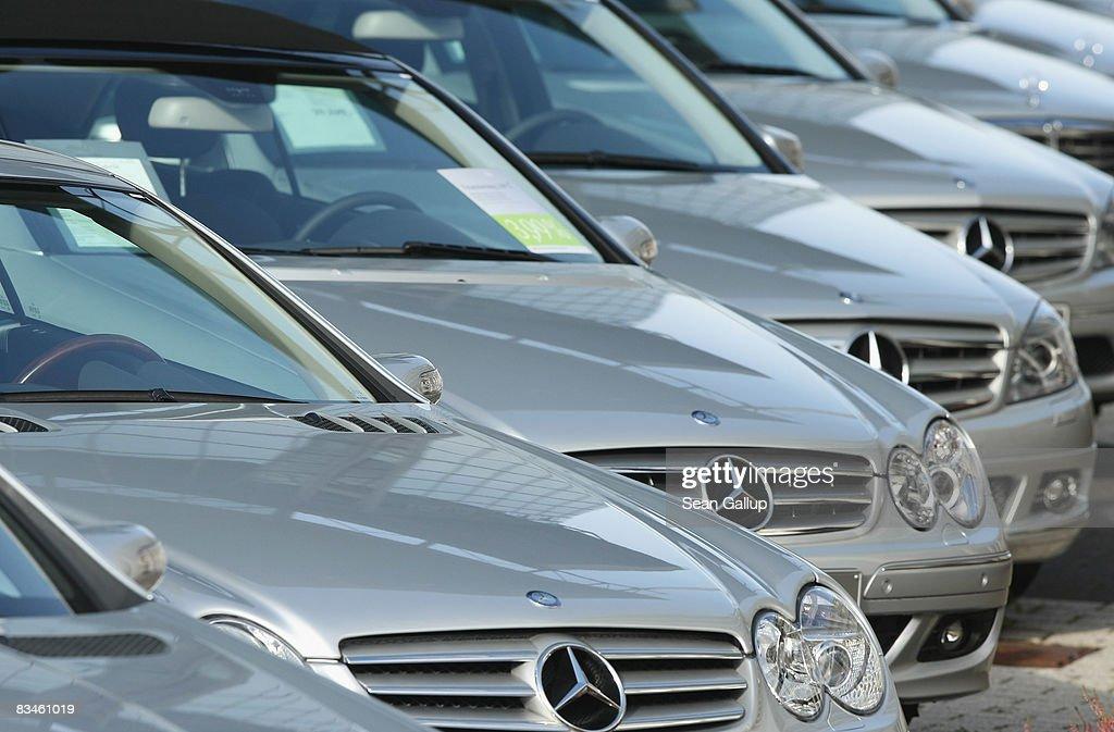 Financial Crisis Hits Europe Car Sales : Fotografía de noticias