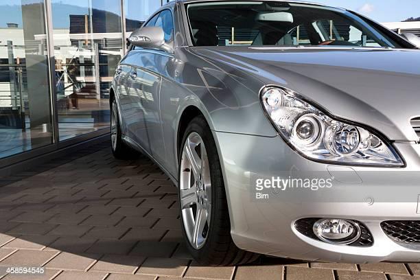 Mercedes-Benz CLS-Klasse außerhalb von Autohandlung