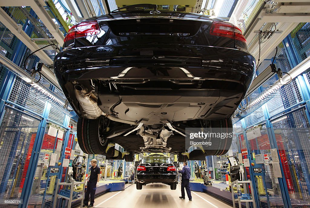Fotos und Bilder von A Mercedes-Benz Factory Visit | Getty Images