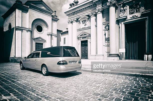 mercedes-benz funeral car - hearse stock pictures, royalty-free photos & images