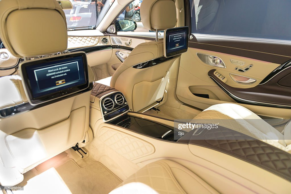 mercedes s500 maybach 4matic si ges arri re int rieur photo getty images. Black Bedroom Furniture Sets. Home Design Ideas