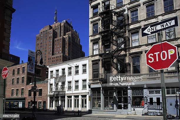 mercer street of soho - ニューヨーク ソーホー ストックフォトと画像