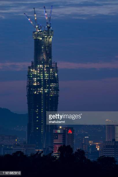 merdeka pnb 118 or menara warisan which is its formerly used name, is a 118 floors megatall skyscraper currently being built in kuala lumpur, malaysia. - shaifulzamri 個照片及圖片檔
