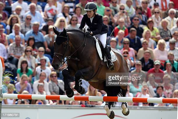 Meredith MichaelsBeerbaum Bella Donna during the Rolex Grand Prix jumping competition during the 2013 CHIO Aachen tournament on June 30 2013 in...