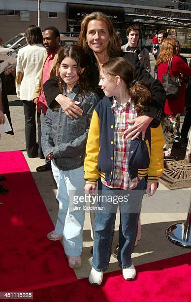 Meredith Veirawith daughterLily and friend Blair