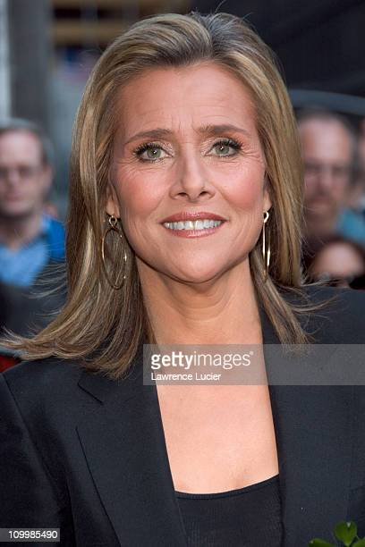 Meredith Vieira during Alexis Bledel Meredith Vieira and Craig Ferguson Visit The Late Show with David Letterman April 19 2006 at Ed Sullivan Theater...