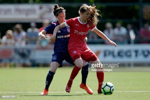 Merel van Dongen of Ajax women Joelle Smits of FC Twente Women during the Dutch Eredivisie Women match between Fc Twente v Ajax at the Sportpark...