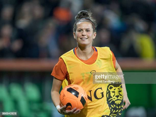 Merel van Dongen of Netherland during the FIFA 2018 World Cup Qualifier between Netherland and Norway at Noordlease Stadion on October 24 2017 in...