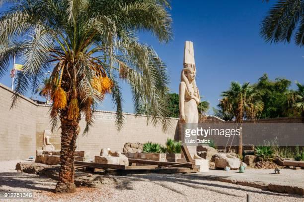 Meret Amun estatue in Akhmin