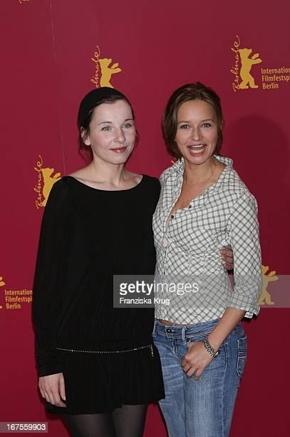 Meret Becker Und Stefanie Stappenbeck Beim Photocall Zu Happy As One Bei Der 56 Berlinale