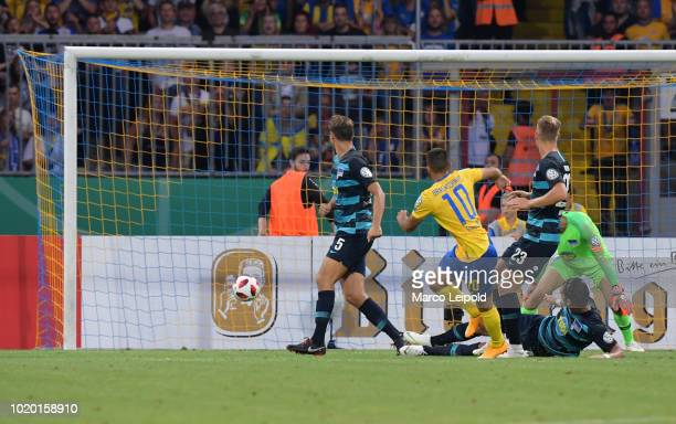 Mergim Fejzullahu of Eintracht Braunschweig scores the 11 during the game between Eintracht Braunschweig and Hertha BSC at the EintrachtStadion on...