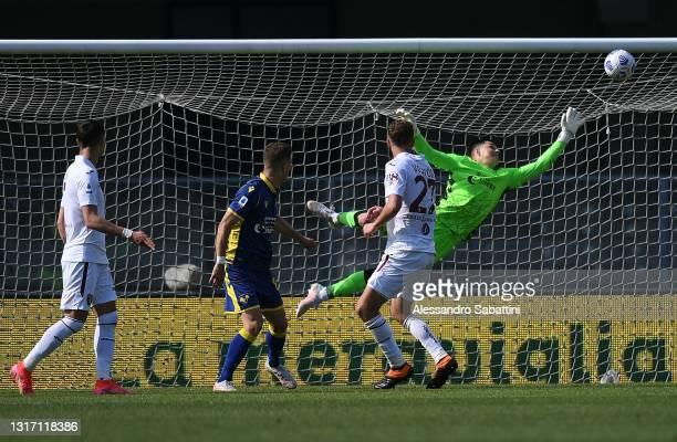 Mergim Vojvoda of Torino FC scores the opening goal during the Serie A match between Hellas Verona FC and Torino FC at Stadio Marcantonio Bentegodi...
