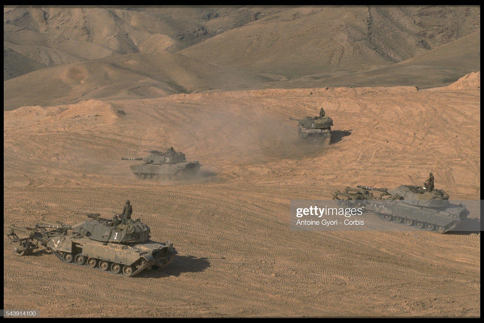 https://media.gettyimages.com/photos/merkava-tanks-picture-id543914100?s=2048x2048