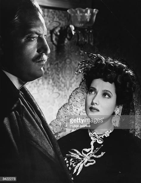 Merle Oberon and Laird Cregar in a scene from 'The Lodger' in which Cregar the lodger is suspected of being Jack The Ripper