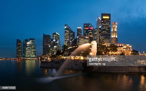 merlion park in panorama - merlion stock pictures, royalty-free photos & images