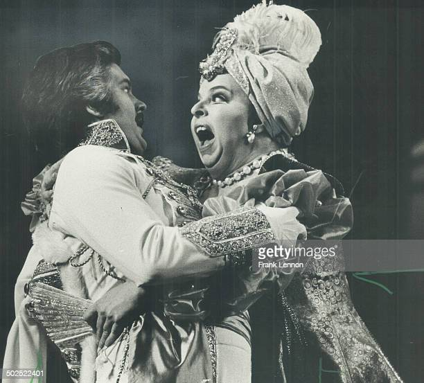 Merry widow/Alan Titus and Barbara Hamilton above in Merry Widow at O'Keefe Centre Elisabeth Soderstrom stars