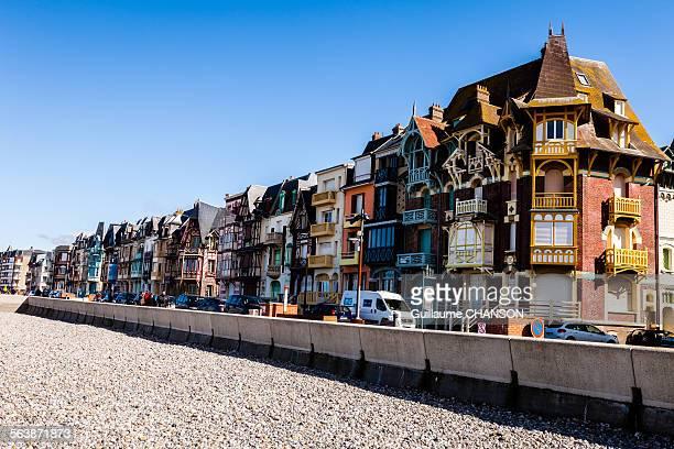 mers-les-bains - オードフランス地域圏 ストックフォトと画像