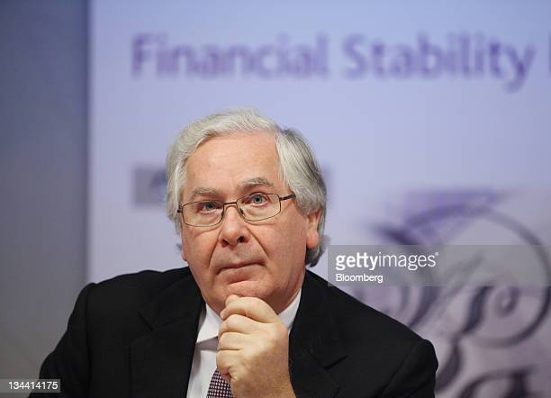 Mervyn King governor of the Bank of England pauses during a news conference at the Bank of England in London UK on Thursday Dec 2011 King urged banks...
