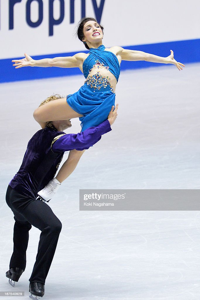 Meryl Davis and Charlie White of The United States compete in the Ice Dance free program during day three of ISU Grand Prix of Figure Skating 2013/2014 NHK Trophy on November 10, 2013 in Tokyo, Japan.
