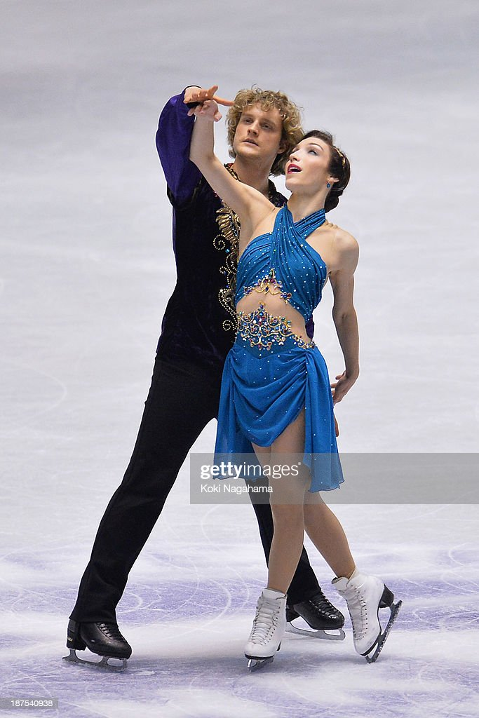 Meryl Davis and Charlie White of United States competes in the Ice Dance free program during day three of ISU Grand Prix of Figure Skating 2013/2014 NHK Trophy on November 10, 2013 in Tokyo, Japan.