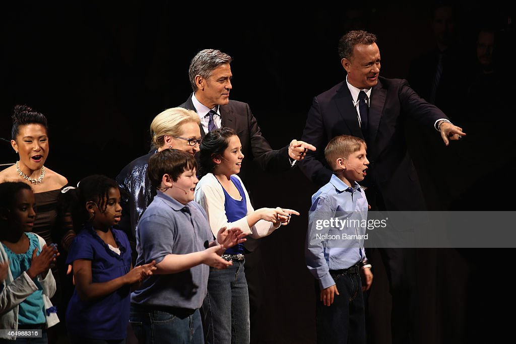 Meryl Streep, George Clooney and Tom Hanks perform onstage with SeriousFun Campers during SeriousFun Children's Network 2015 New York Gala: An Evening of SeriousFun Celebrating the Legacy of Paul Newman at Avery Fisher Hall at Lincoln Center for the Performing Arts on March 2, 2015 in New York City.