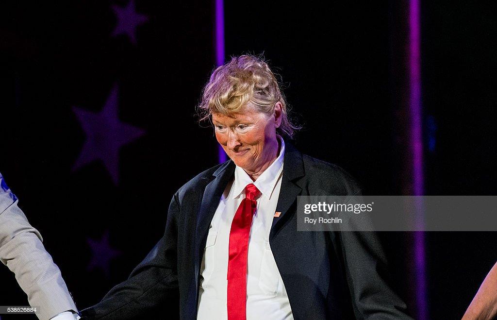 2016 Public Theater Gala : News Photo