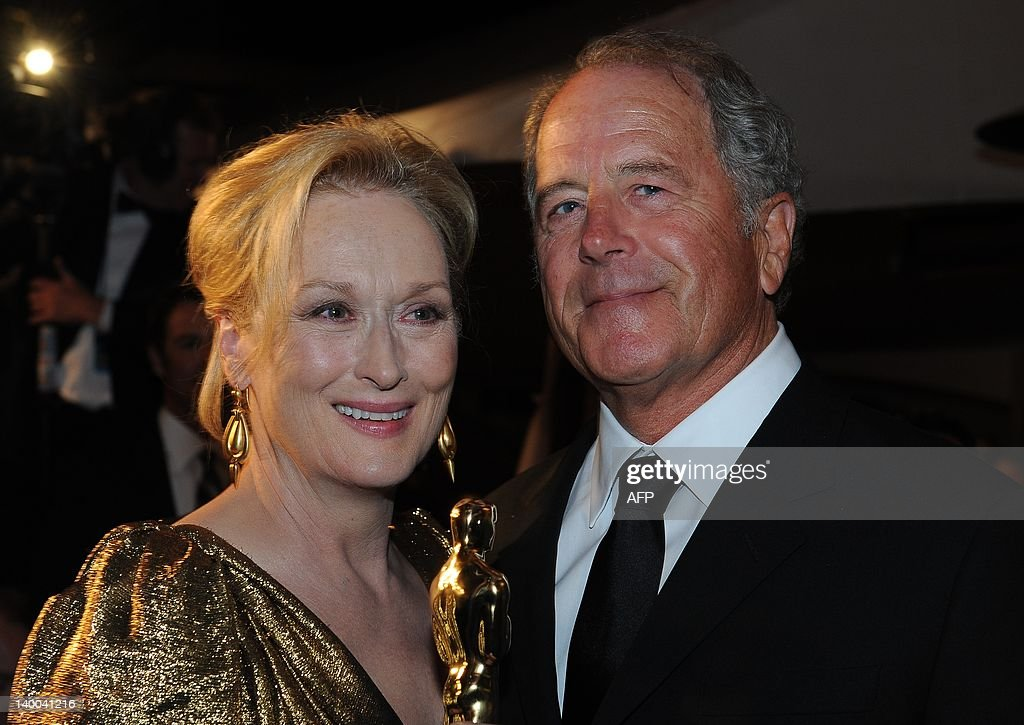 Meryl Streep (L), winner of Best Perform : News Photo