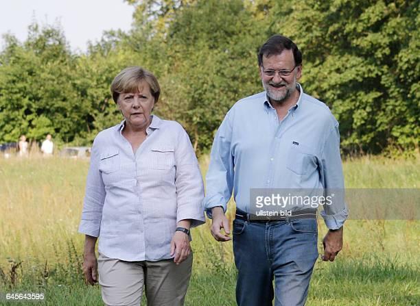 Meseberg, Gästehaus der Bundesregierung, Begrüßung des Ministerpräsidenten des Königreichs Spanien, Mariano Rajoy, durch Bundeskanzlerin Angela...