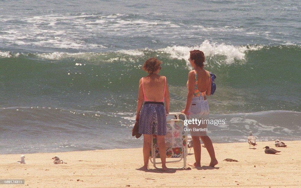 MESewerNEWSWATCH3DB6/4/96Huntington Beach Visitors To Bolsa Chica State  Beach Gaze Out Into The