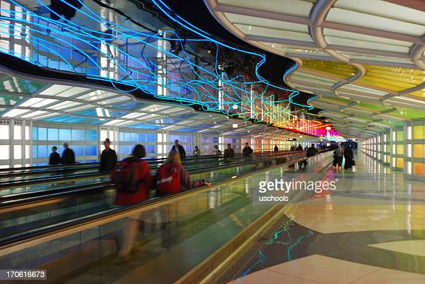 mesmerizing tunnel, chicago o'hare airport - ohare airport stock pictures, royalty-free photos & images