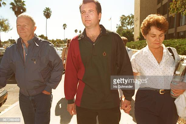 MESobek#2IS10/25L–R LInda Sobek's parents and brother Bob Steve and Elaine leave Torrance courthouse where the trial of Charles RAthbun accused in...