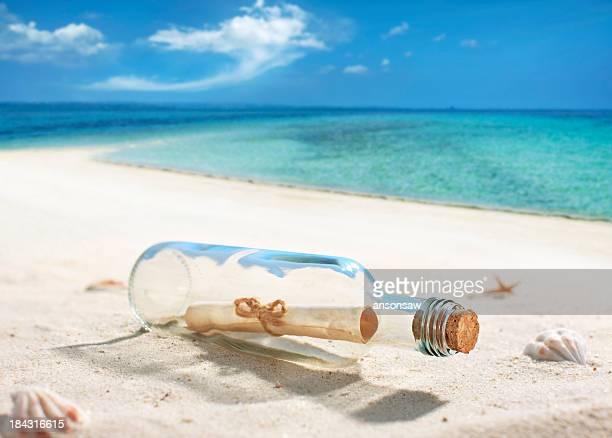 message in a bottle - mitteilung stock-fotos und bilder