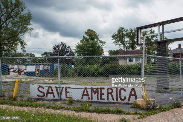 A message on the corner of Avondale Avenue and Market Street in South Youngstown Ohio Photo by Dustin Franz/For The Washington Post via Getty Images