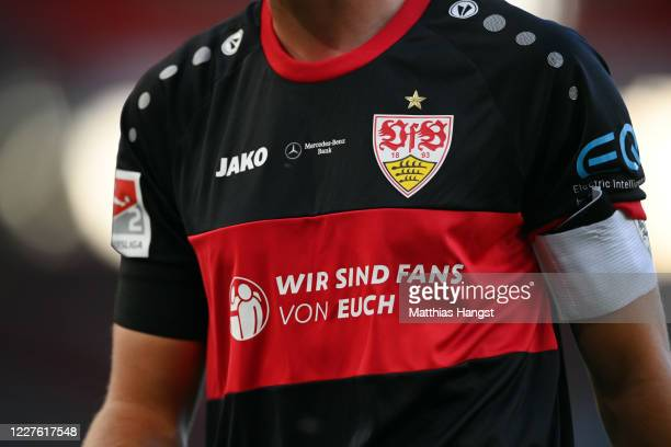 A message to the helpers in the corona virus crisis reading 'We are fans of yours' is seen on the jersey of team captain Pascal Stenzel of Stuttgart...