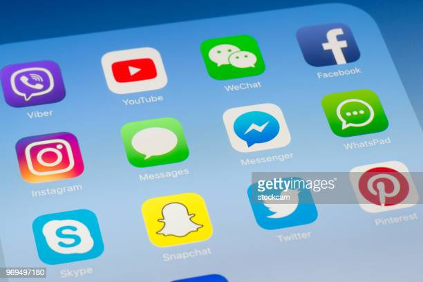 Messages, Messenger et autres médias sociaux Apps sur l'écran de l'iPad
