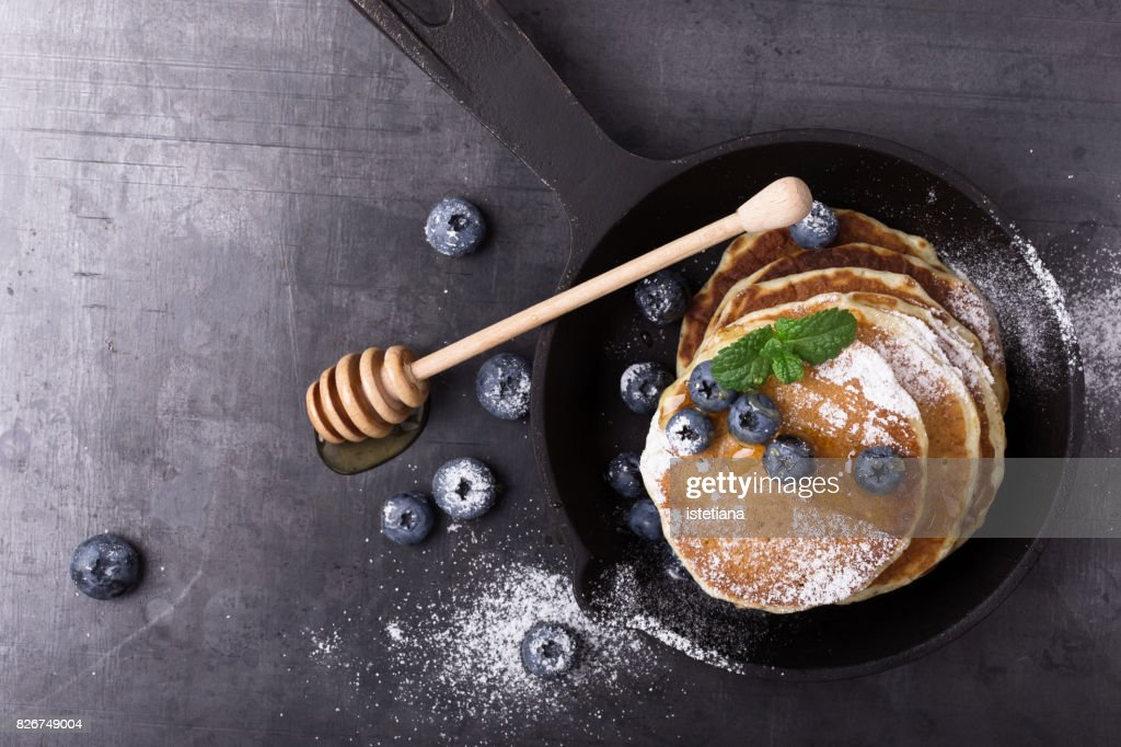Messthetics. Blueberry pancakes, healthy brunch : Stock Photo