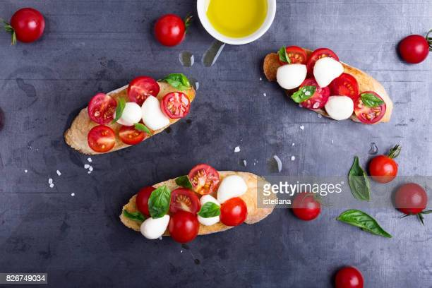Messthetics. Caprese bruschetta