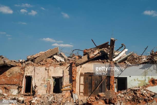 Messthetics of demolition