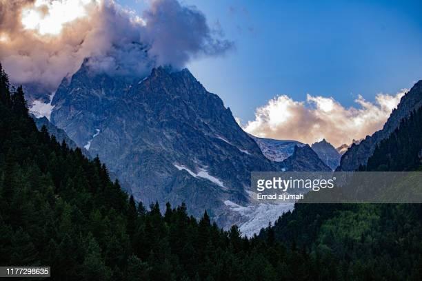 mestia, upper svaneti, georgia - コーカサス山脈 ストックフォトと画像