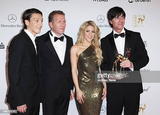 Mesut Oezil Andreas Koepke Shakira and Joachim Loew pose with the Special Bambi award at the Bambi 2010 Award Winners Board at Filmpark Babelsberg on...