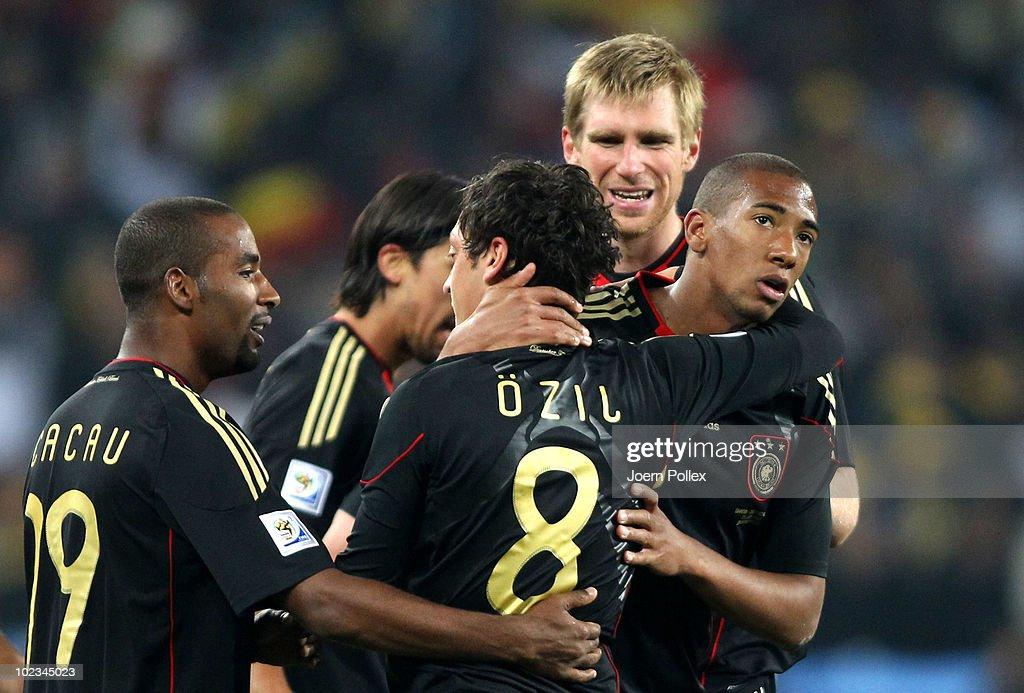 Ghana v Germany: Group D - 2010 FIFA World Cup : News Photo