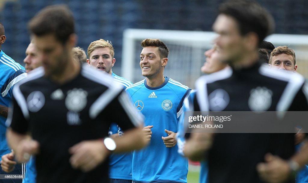 FBL-EURO-2016-GER : News Photo