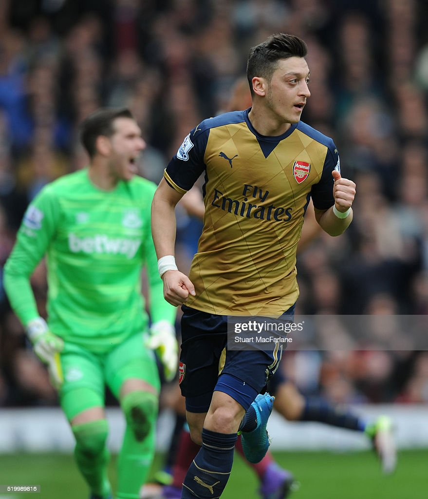 West Ham United v Arsenal - Premier League : News Photo