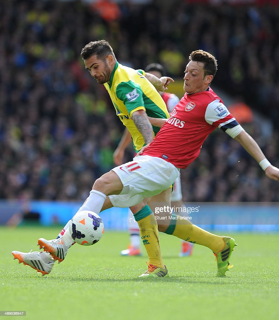 Norwich City v Arsenal - Premier League