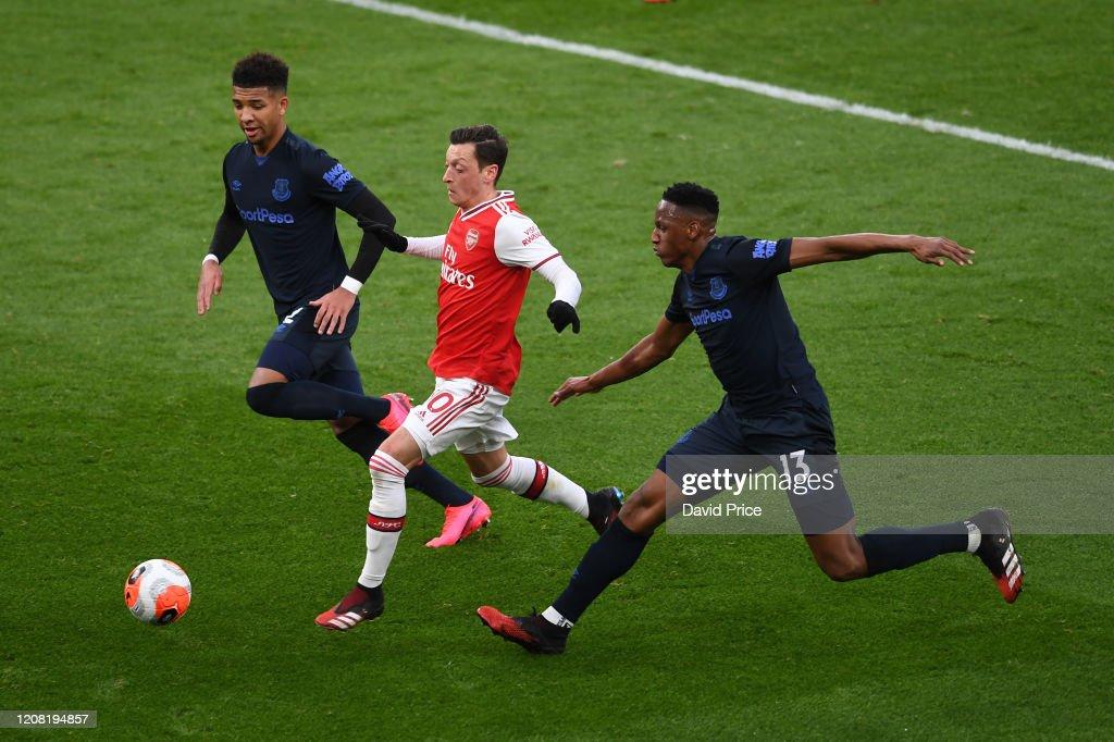 Arsenal FC v Everton FC - Premier League : News Photo